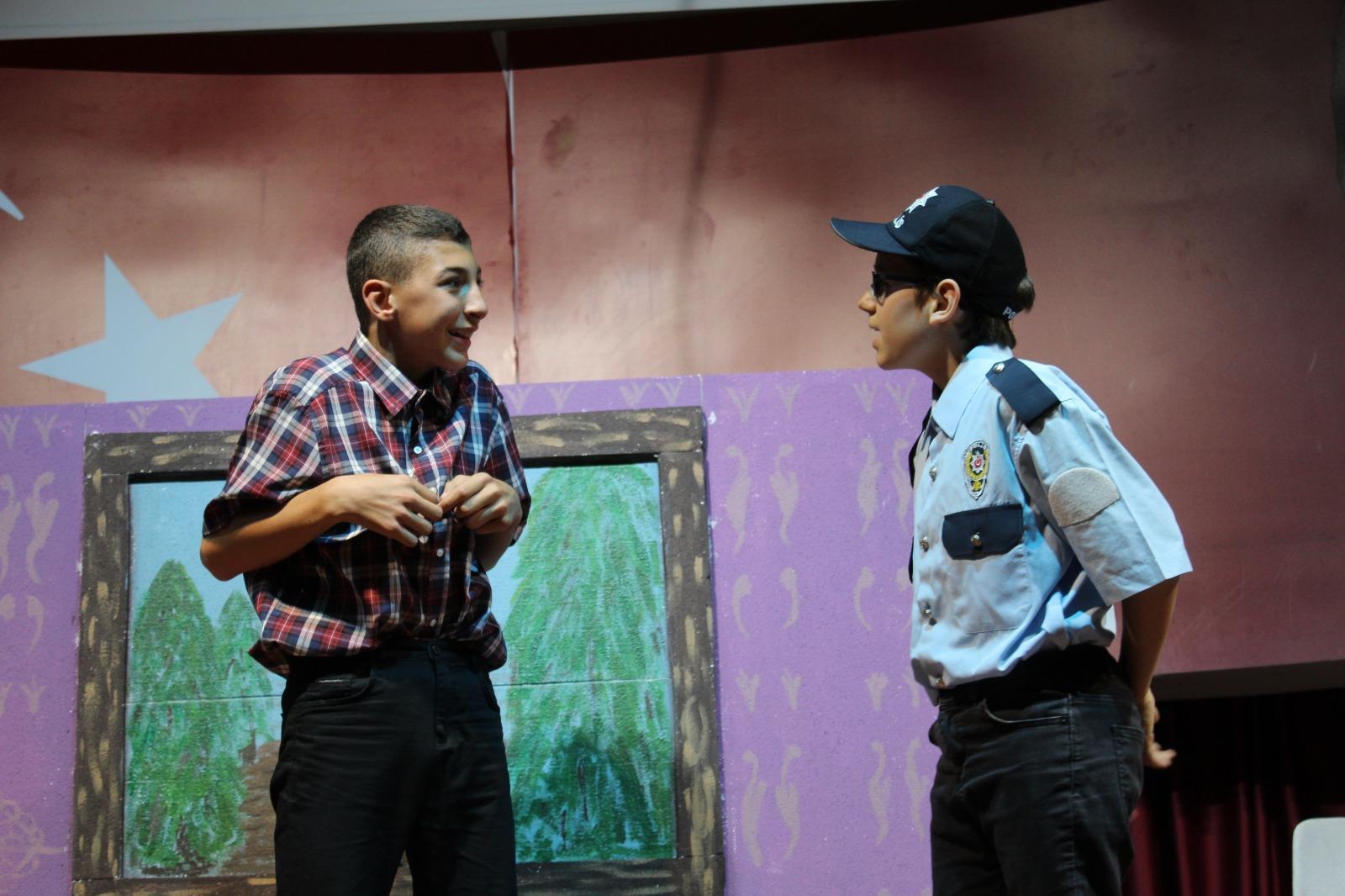Etkin Kolej | Burun Tiyatrosu
