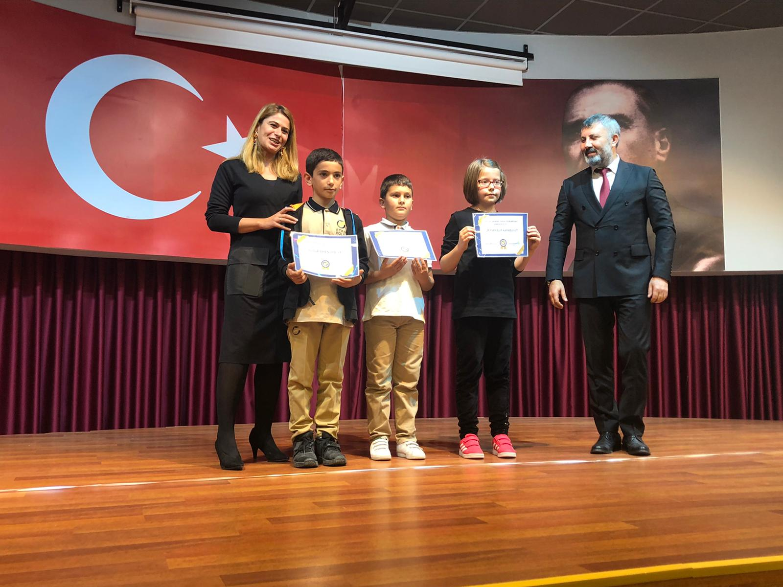 Etkin Kolej | Eskişehir Etkin Kolej öğrencileri 29 Ekim Cumhuriyet Bayramı'nı Büyük Bir Coşkuyla Kutladı